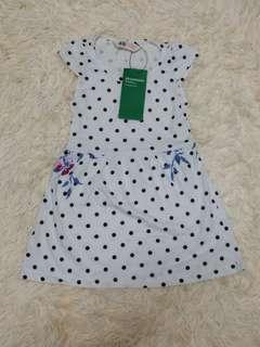H&M organic cotton dress (2-4y) (defect on skirt, small pen line on skirt)