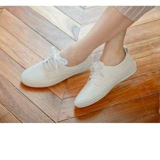 🚚 fm時尚美鞋 彎折縫邊休閒小白鞋