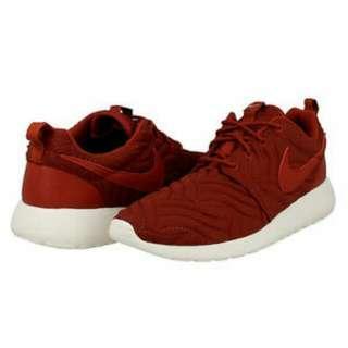 Nike Women Roshe One PRM sneaker