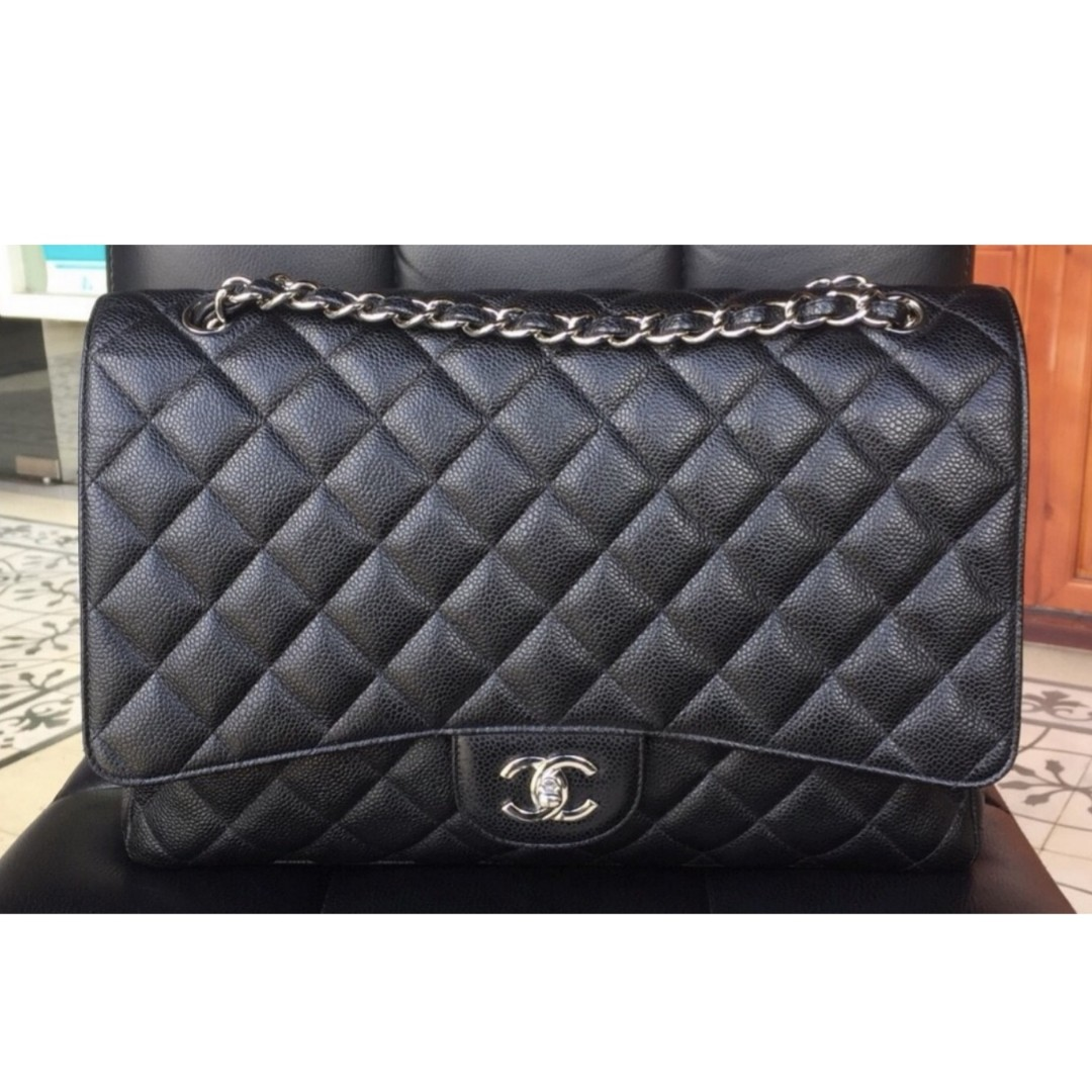 32474516d0c4 Authentic Chanel Classic Maxi Single Flap Bag, Luxury, Bags & Wallets on  Carousell