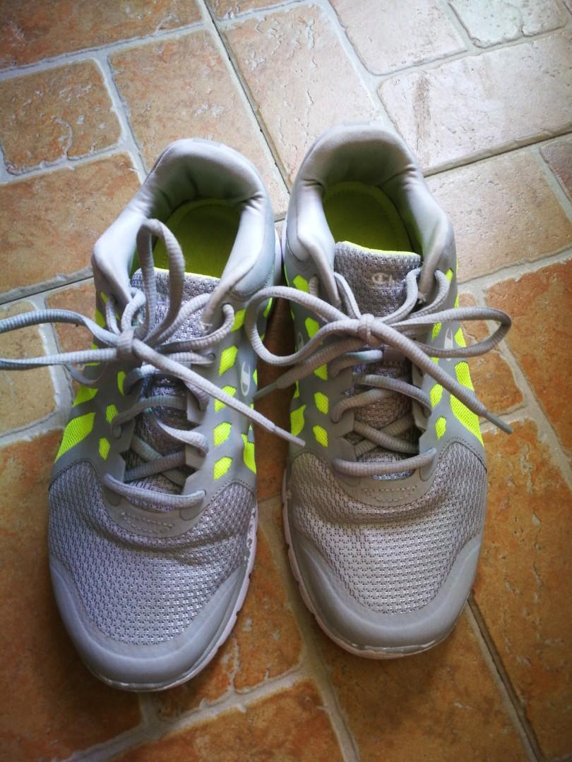 d5e5a76b3e0cfa Champion sport shoes size US 8.5