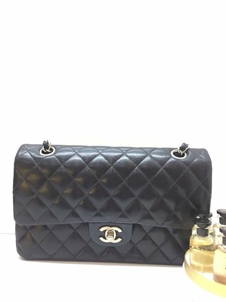 5cce2ee23ba1 Chanel, Luxury, Bags & Wallets, Handbags on Carousell