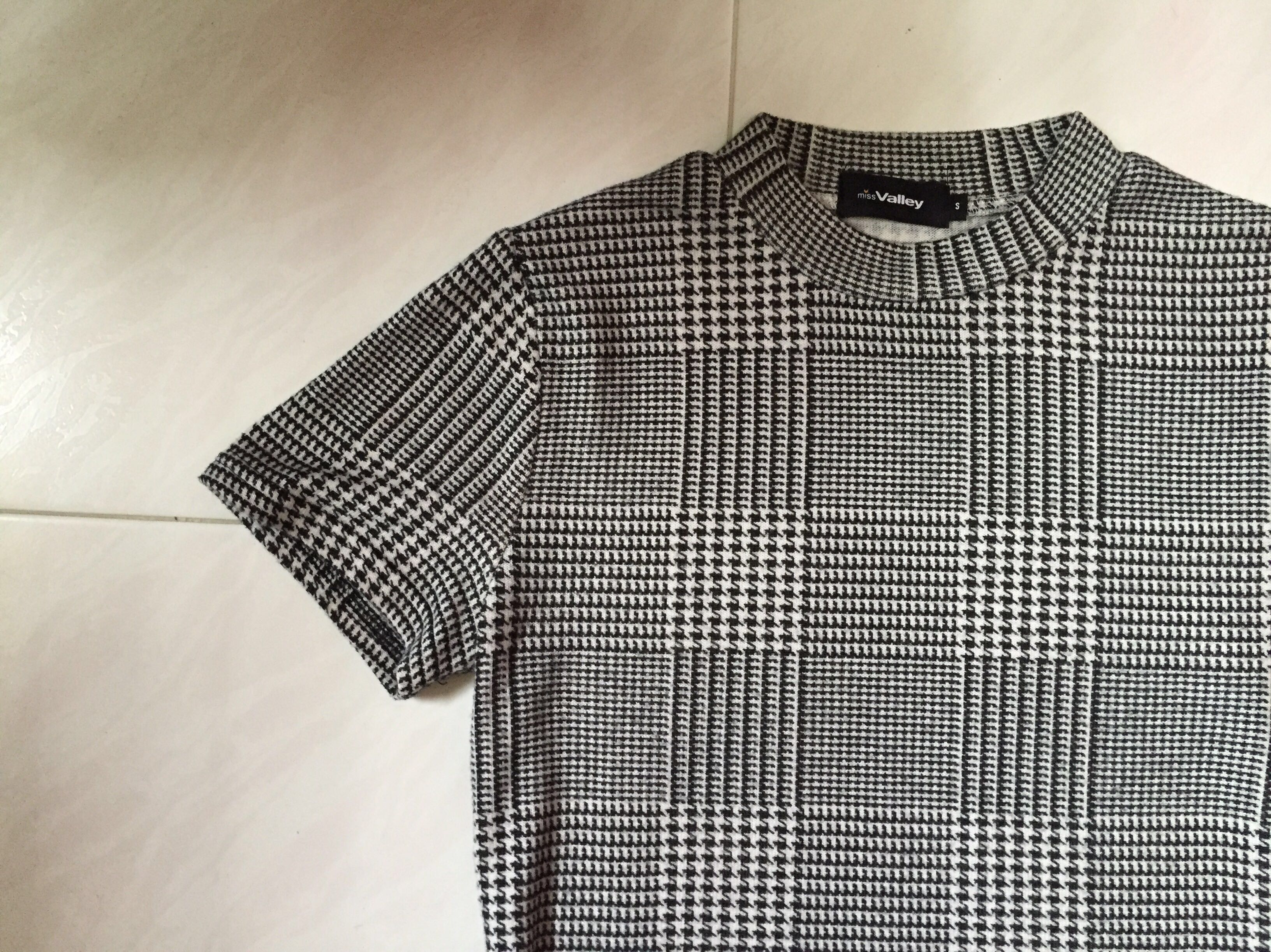 df076957 Houndstooth Mock Turtleneck Top, Women's Fashion, Clothes, Tops on ...