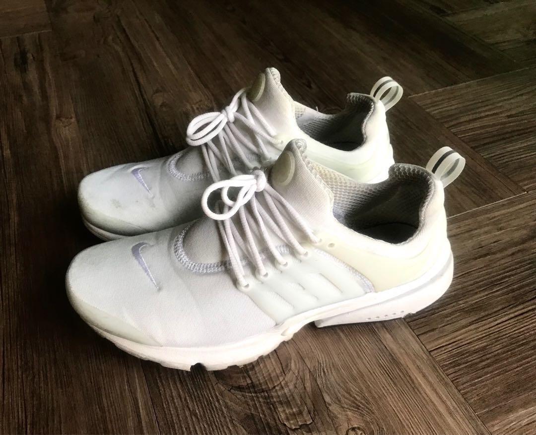 Nike Air Presto Essential (Triple white