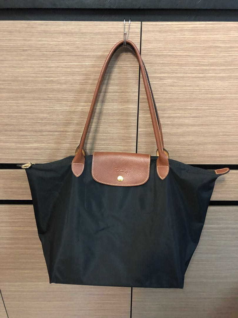2218a1e2ab Pre loved mint condition Longchamp Le Pliage Large Tote Bag 1899 ...