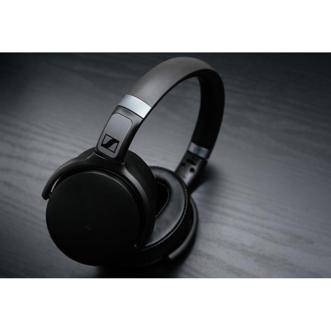Sennheiser bluetooth headphone 25 hours battery life