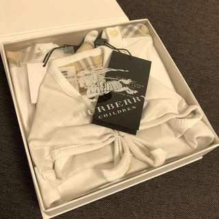 Burberry baby gift box 9M