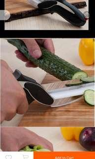 Clever 2 in 1 knife and cutting board