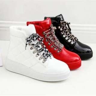 【預購】AT - 女品(5555):皮革*休閒鞋/女鞋(尺寸:35-39碼/高度:約4公分/防水台:約3公分/重量:約0.87KG)_免運。