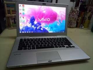 Vaio Thin/14.5inch/windows7/i3/4Gb/320Gb hdd/Gaming