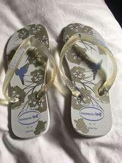Havianas floral size 35-36 brand new