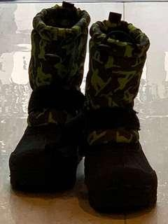 Winter boots for boy
