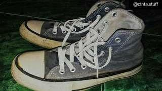 Sepatu sneakers converse all star high