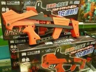 🚚 日本聯名景品TAITO橡皮筋槍 可連發(模型槍 玩具槍 景品 鋼彈)
