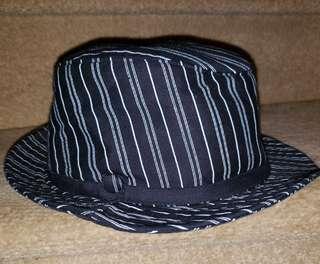 Classy Black & white Hat - unisex