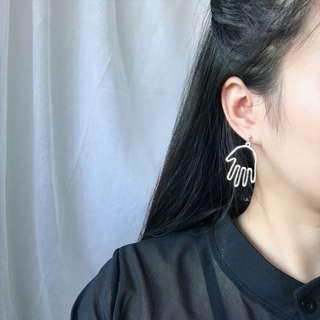 Trendy Hands Earrings Dangling