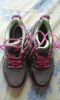 ASIC running shoes Gel venture 5