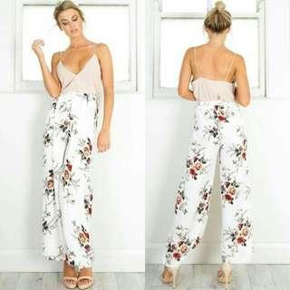 🍃Spaghetti Strap Top & White Floral Garter Pants Terno
