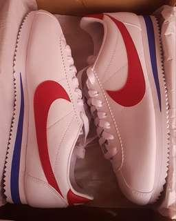 """New stocks! Nike Classic Cortez Leather """"Forrest Gump"""" for women. Size 8, 8.5 and 9 US"""