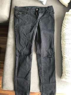 Like new Second Yoga ripped black jeans