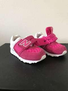 Girls new balance sports shoes runners pink