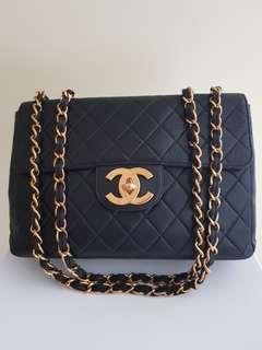 Pre-loved Chanel vintage classic jumbo flap bag