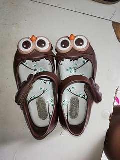 minimel size US6 authentic owl shoes