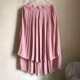 Zara skirt XS 斯文裙