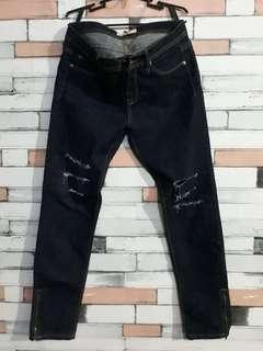 Prelovejeans