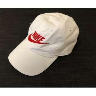 NIKE 電繡 紅字勾勾 白色 經典復古老帽
