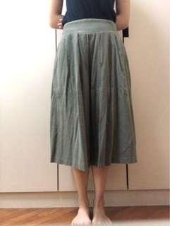 Thrifted green pleated culottes