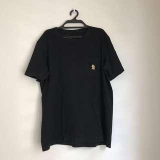Uniqlo Kaws x Peanuts tshirt