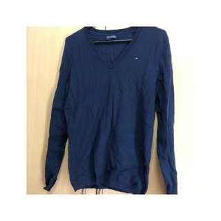 清櫃秋裝‼️New Tommy Hilfiger navy blue sweater size M