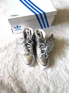 NEW Jeremy Scott x Adidas Wings Sneakers Silver