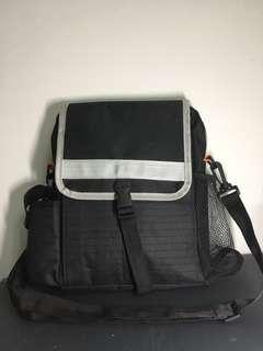 實用旅行多間格斜揹側斜袋 travel bag