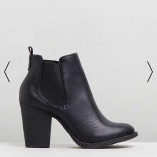 New - Spurr Ankle Boots - size 7