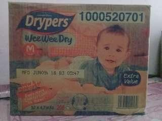Drypers Wee Wee Dry Size M52 X 4 Packs ( 1 box )