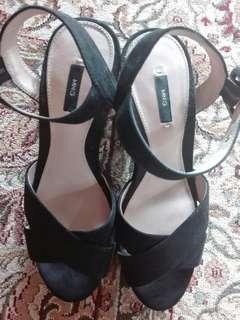 ⛔ Reduced price Mango Black Heels #DEC50