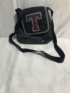 Tommy Hil sling bag