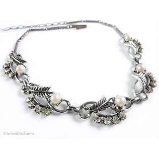 Vintage 1950s Japan Faux Pearl Leaf Necklace, nk413