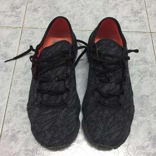 Under Amour black running sneakers