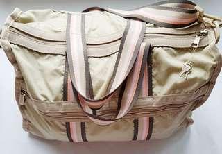 Lesportsac weekender bag with lock