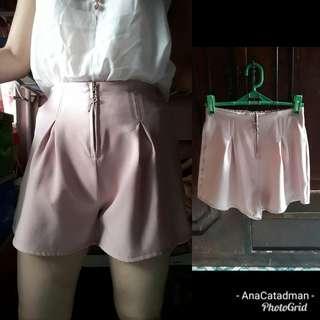 Nude pink front zip trendy short