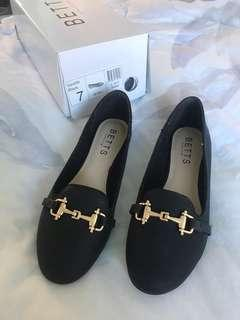 BNIB Betts Black Loafers size 7