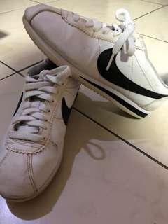 🚚 Nike 阿甘鞋 保證正品 黑勾 白底