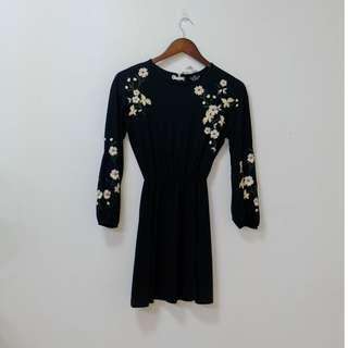 TOPSHOP! Size 0 Black floral embroidered