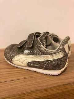 🚚 美國購入 PUMA 緩衝軟底走路金鞋