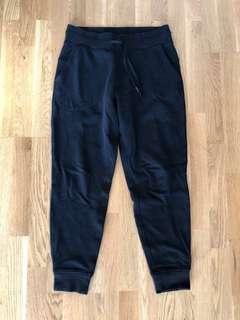 Lululemon size 8 black sweatpants cotton