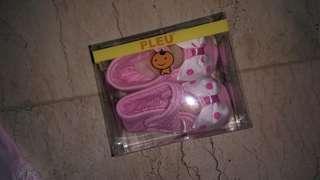 Sepatu prewalker pink with bow
