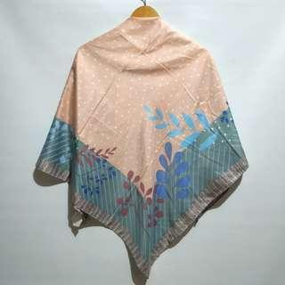 Polkafloral Square Hijab